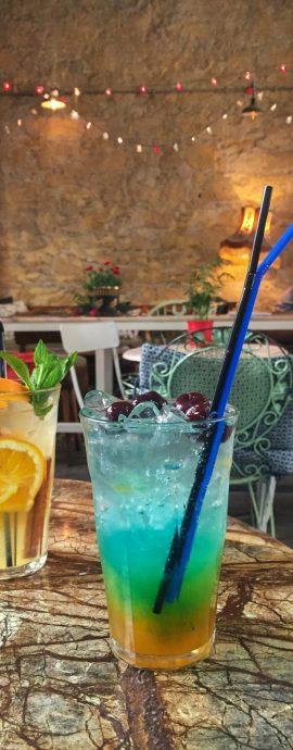 Nikosia, Lefkosia, Ledra, Pieto Cafe, Kaffee, Frappe, Mokka, Capuccino, Gasse, Demarkationslinie, Cocktail